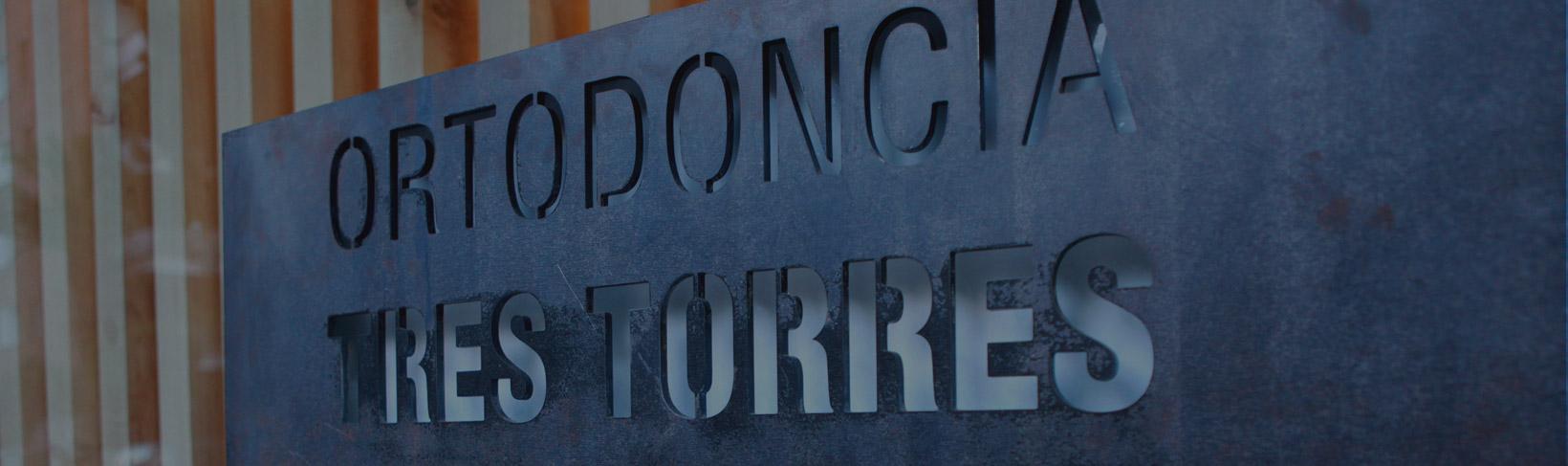 invisalign ortodoncia tres torres Barcelona rótulo exterior
