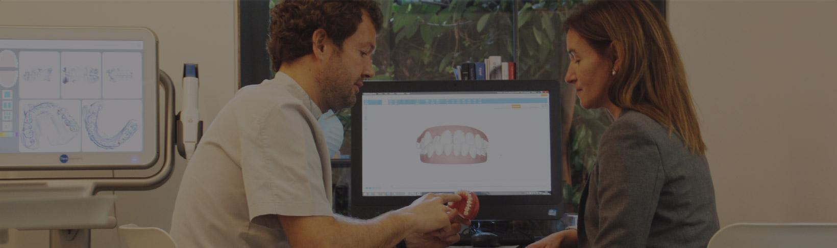 invisalign ortodoncia tres torres Barcelona pantalla iTero escáner