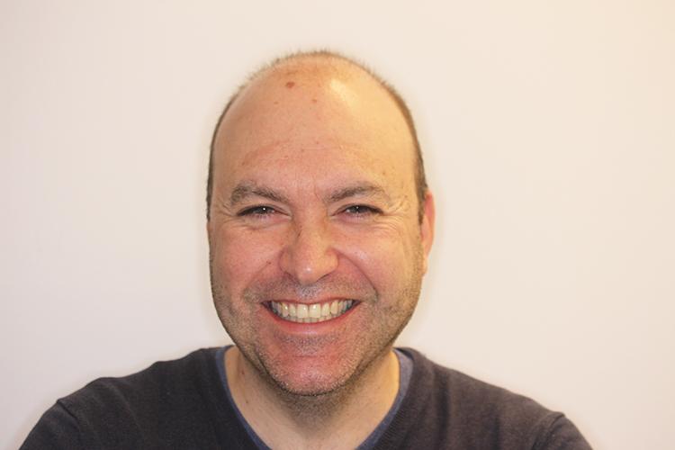 David, la sonrisa más políglota paciente de Ortodoncia Tres Torres